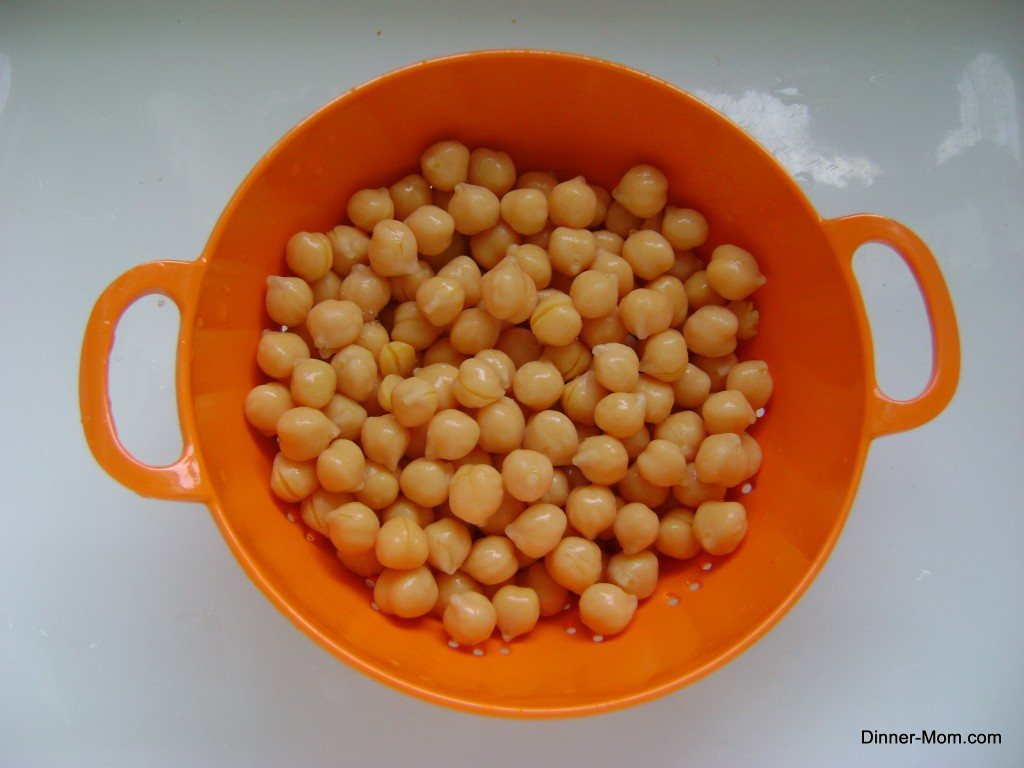 Rinse chick peas in a colander