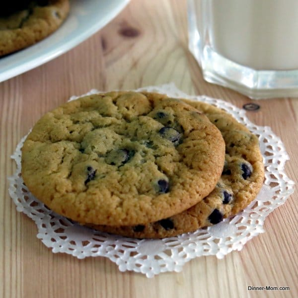 Perfect Vegan Chocolate Chip Cookies - The Dinner-Mom