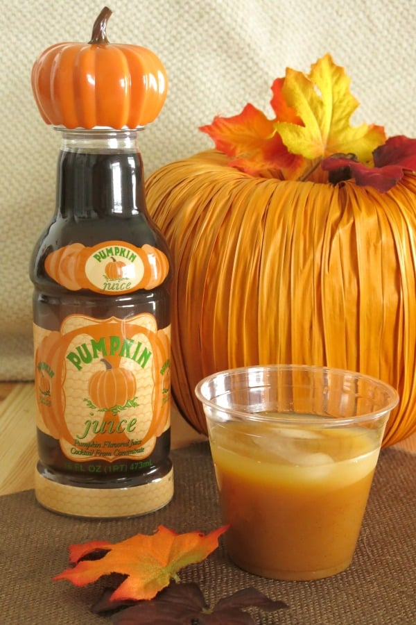 Harry Potter Pumpkin Juice is perfect for birthday parties, Halloween parties and Harry's birthday on July 31st! Easy, healthy, homemade recipe! #pumpkinjuice #pumpkin #harrypotter #partyrecipes