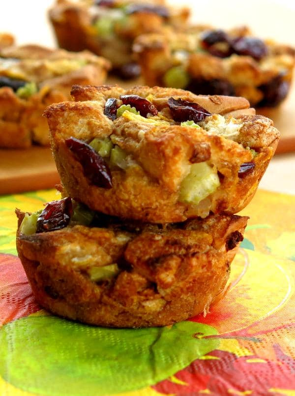 Stuffing Muffin Recipe - Just 6 Ingredients. Perfect for your Thanksgiving or Christmas holiday table!