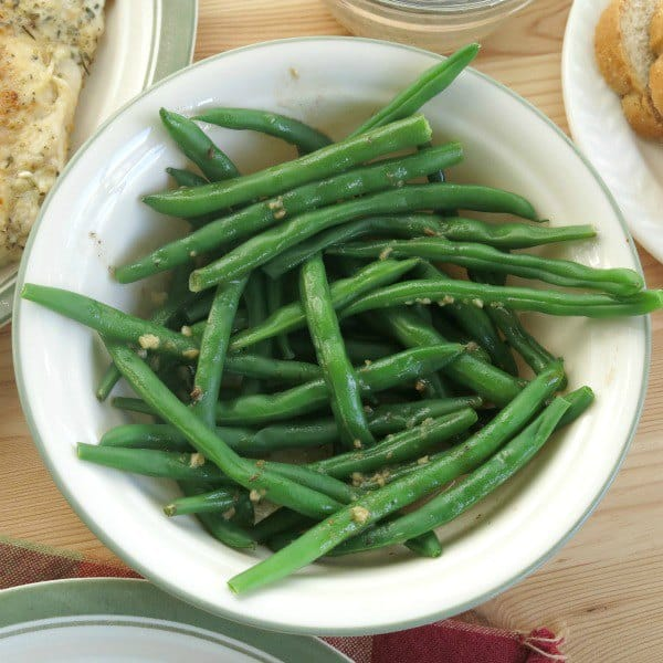 Green Beans in lemon sauce in bowl