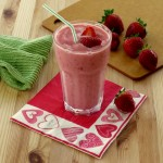 Simple Strawberry Smoothie with Yogurt