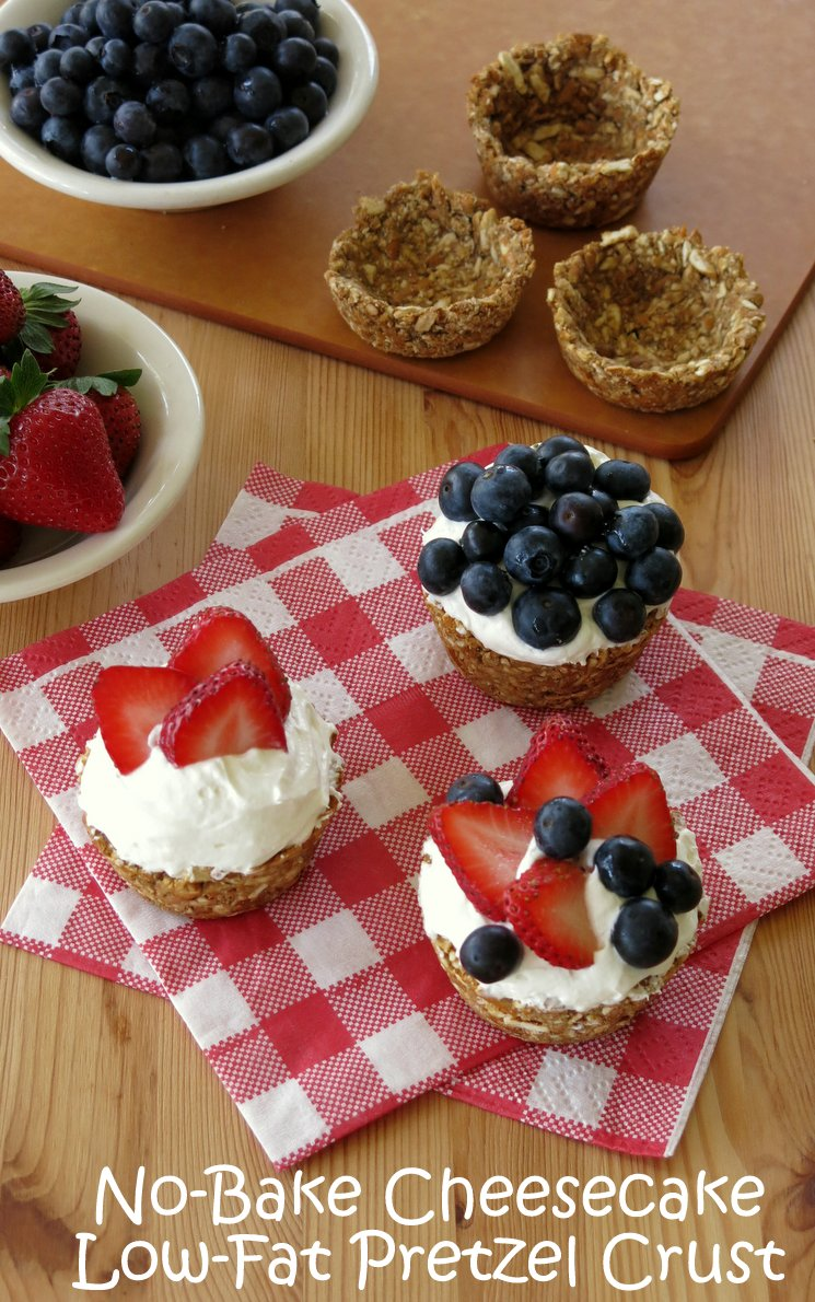 No Bake Cheesecake 'n Berries in Low-Fat Pretzel Cups - The Dinner-Mom