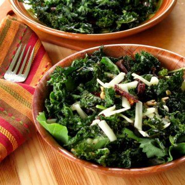 Crispy Kale Chips Salad
