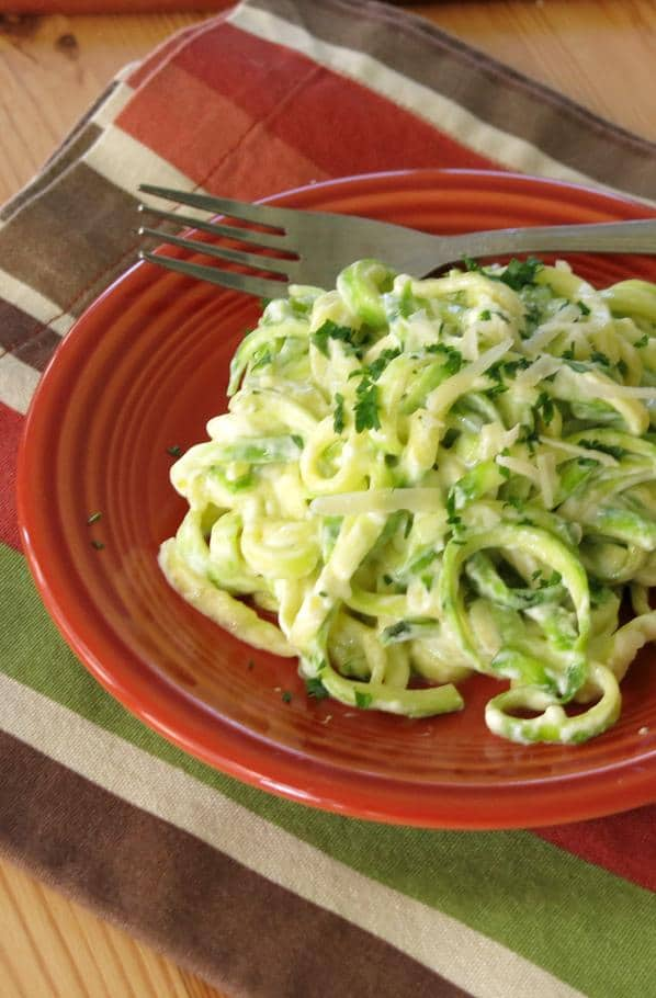 how to make spaghetti noodles out of zucchini