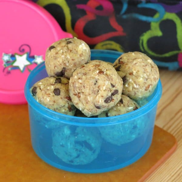 Flourless Chocolate Chip Cookie Dough Bites