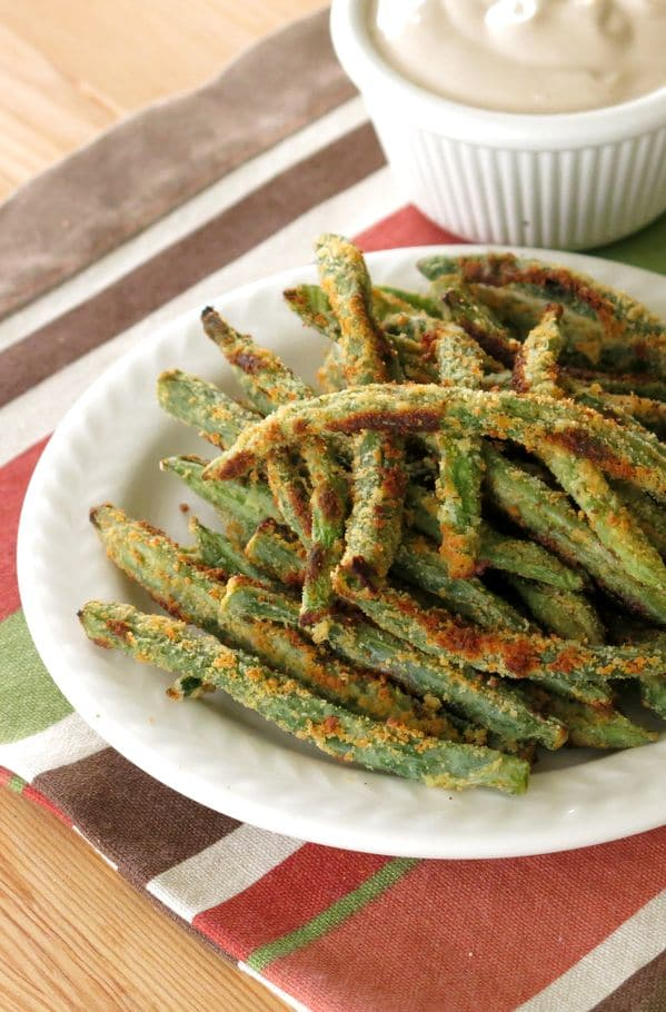 Baked Green Bean Fries with Balsamic Yogurt Dipping Sauce Recipe