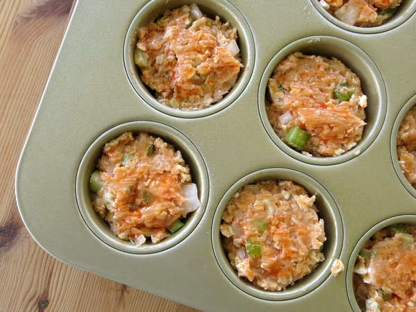 Buffalo Chicken Meatloaf in muffin tins
