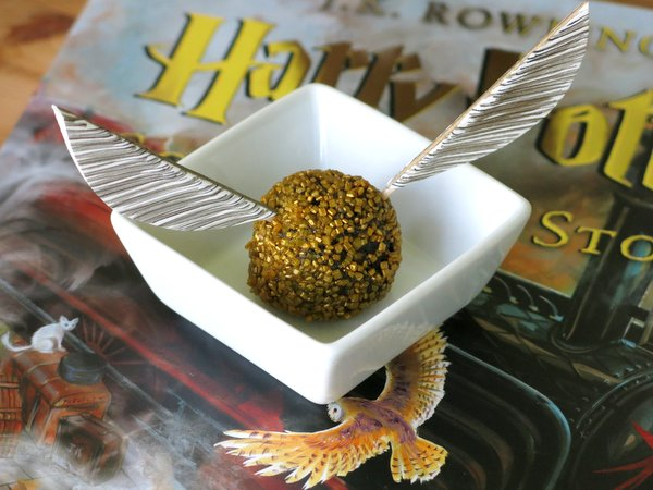 Wings for Golden Snitch Truffles